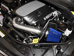 Spectre air intake system with blue filter installed in 5.7L Grand Cherokee
